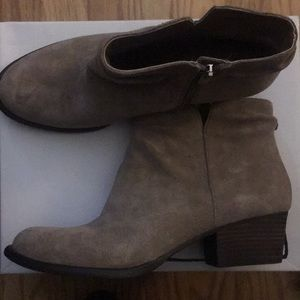 Jessica Simpson Ankle boots w/ side zipper